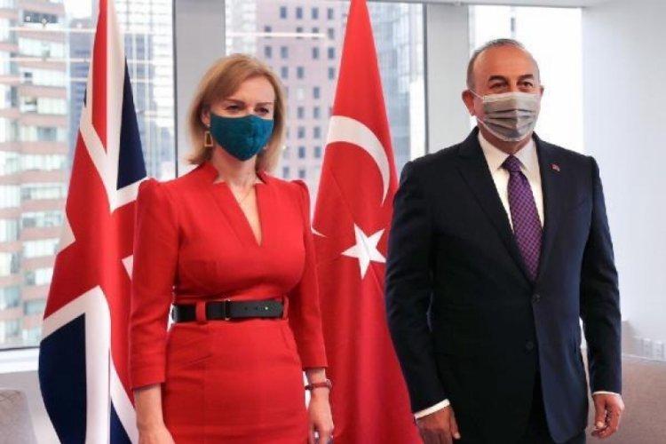 Dışişleri Bakanı Çavuşoğlu İngiliz mevkidaşı ile bir araya geldi