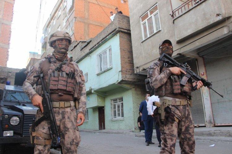 Diyarbakır'da uyuşturucu tacirlerine karşı 1200 polis ile uygulama başlatıldı