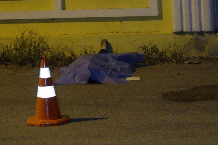 64 yaşındaki adam sokak ortasında fenalaşıp öldü
