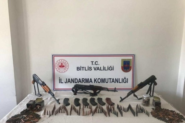 Bitlis'te, arazide mühimmat ele geçirildi