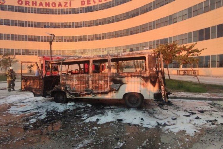 Bursa'da minibüste yatan hasta yakınları ölümden döndü