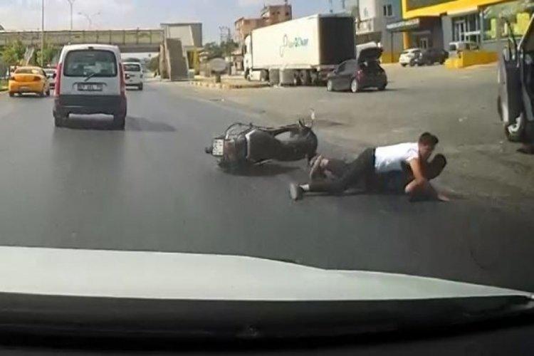 Gaziantep'te yola dökülen yağ yüzünden motosiklet sürücüsü ölümden döndü