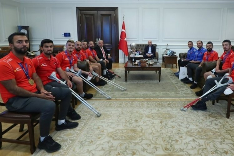 Bakan Soylu, Avrupa Şampiyonu Ampute Futbol Milli Takımı kabul etti