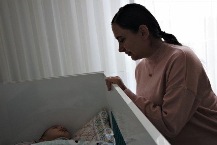 Bursa'da Kovid-19'u yoğun bakımdaki tedaviyle atlatan hamile kadından aşı çağrısı