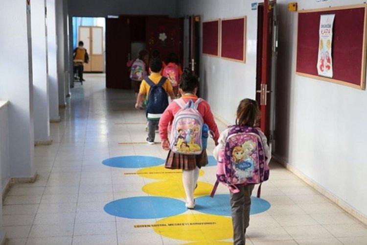 MEB'den 81 ile yazı: Eğitim araçları öğrencilere aldırılamaz