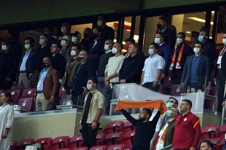 Yeni teknik direktör Stefan Kuntz da Galatasaray - Göztepe maçında