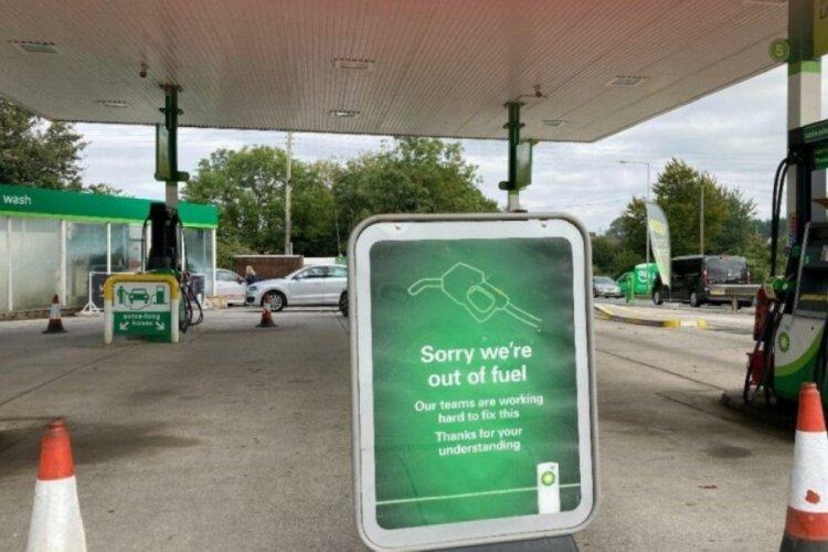İngiltere'de kamyoncu krizi büyüyor