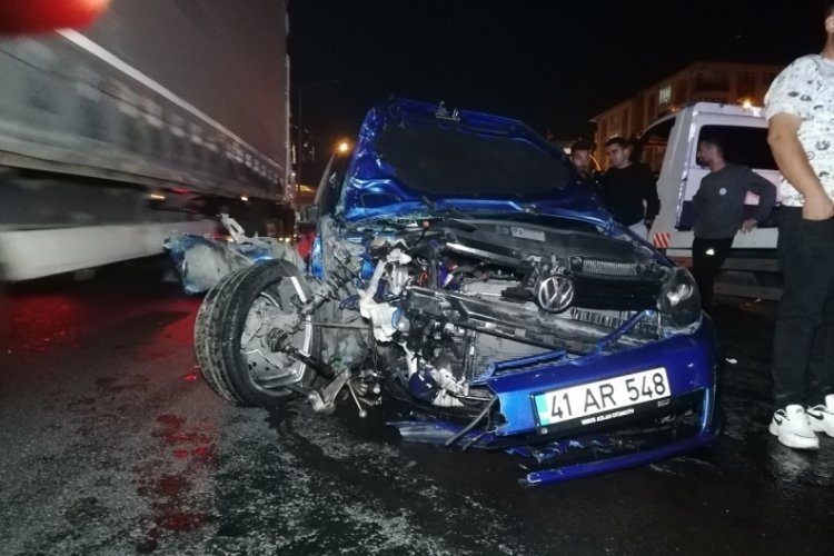 Makas atan araç kazaya sebep oldu! 3'ü çocuk 7 yaralı