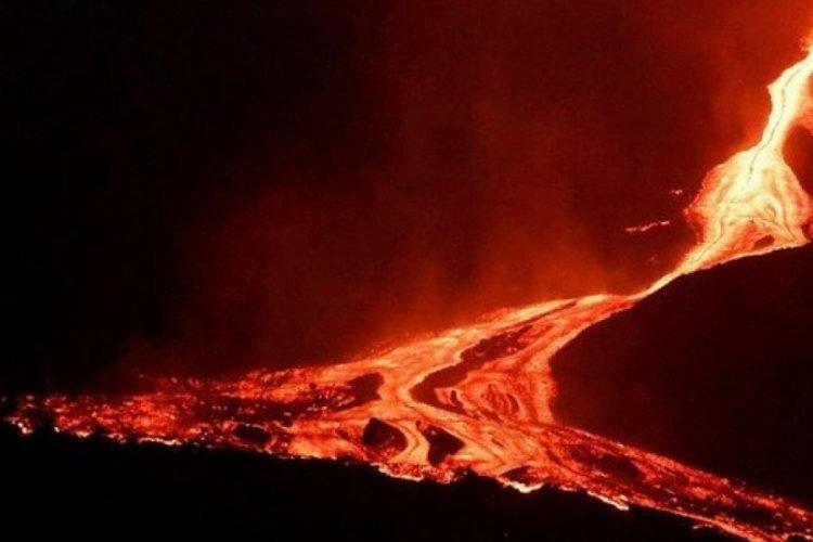 La Palma Adası'nda lavlar denize yaklaştı
