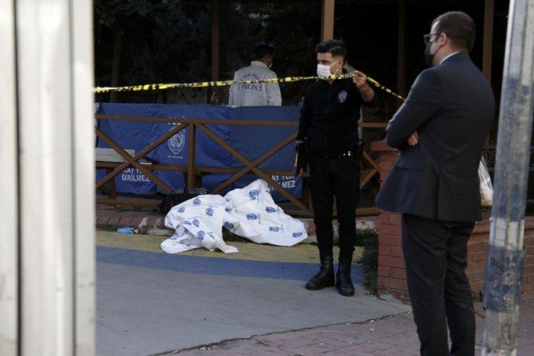 İstanbul Beyoğlu'nda parkta ölü bulundu