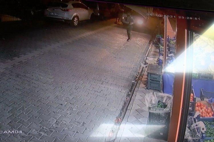 İstanbul Sultangazi'de silahlı saldırı kamerada
