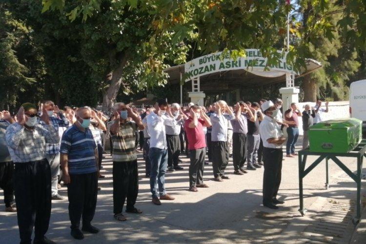 Maden ocağındaki göçükte ölen 2 işçi Adana'da toprağa verildi