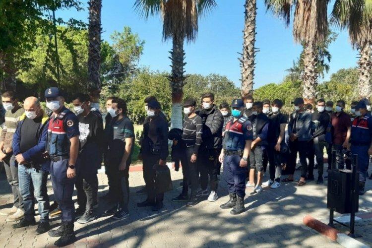 Antalya'da 28 kaçak göçmen yakalandı