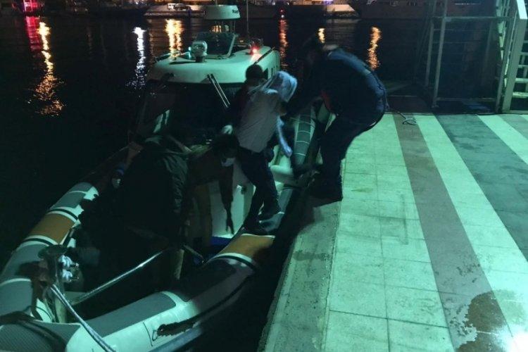 Yunanistan'ın geri püskürttüğü 10 düzensiz göçmen kurtarıldı