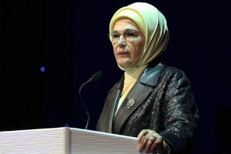 Emine Erdoğan'dan açıklama: Hayatın kadın fikriyle yeniden yorumlanmasına fırsat verelim