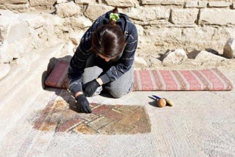 1600 yıllık mozaikler gün yüzüne çıkarılıyor