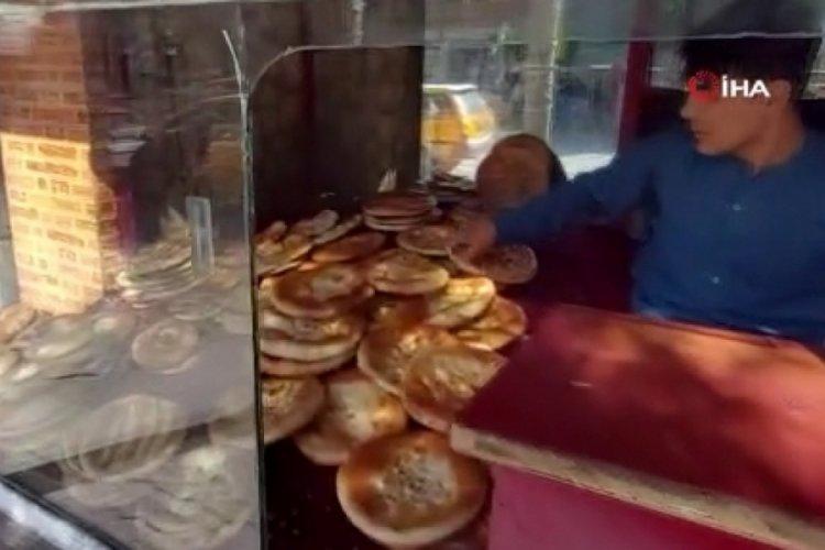 Kabil'de fırınlar vatandaşların taleplerini karşılıyor