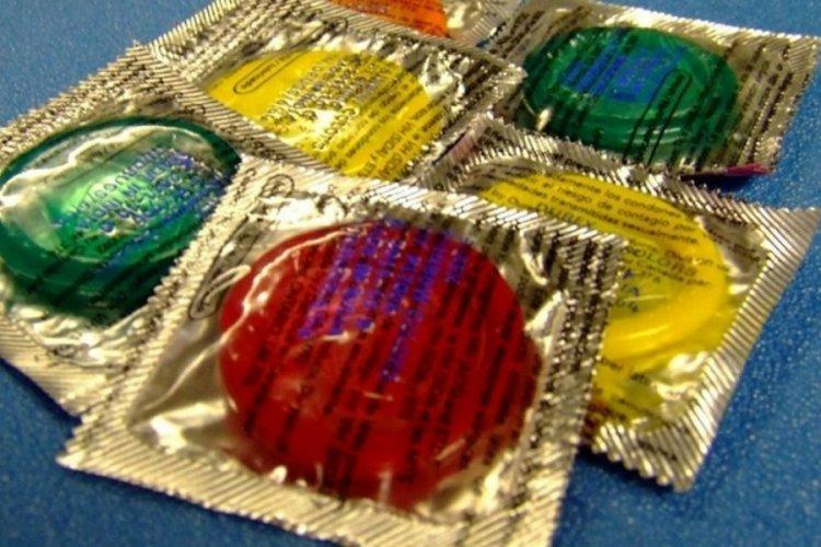 Kaliforniya, partnerden gizli kondom çıkartmayı yasakladı