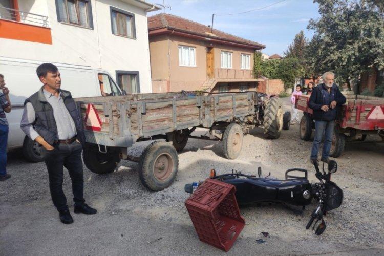 Bursa İznik'te traktörle motosiklet çarpıştı