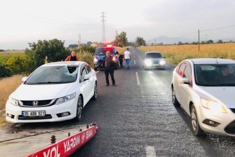 Manisa'da otomobilin camına merdiven çarptı: 5 yaralı