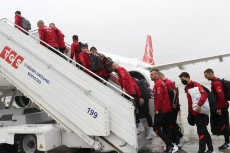A Milli Futbol Takımı, Letonya maçı için Riga'ya gitti