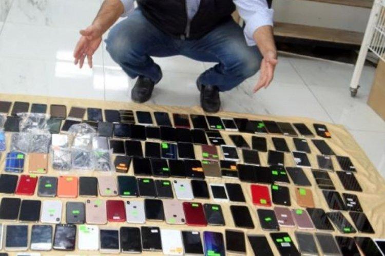 İstanbul Havalimanı'nda unutulan eşyalar 3'te 1'i fiyatına satılıyor