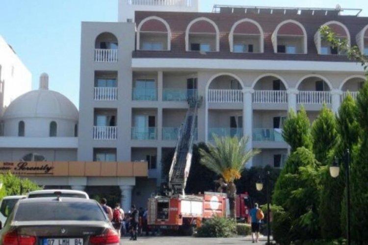 Antalya'da 5 yıldızlı otelde yangın paniği!