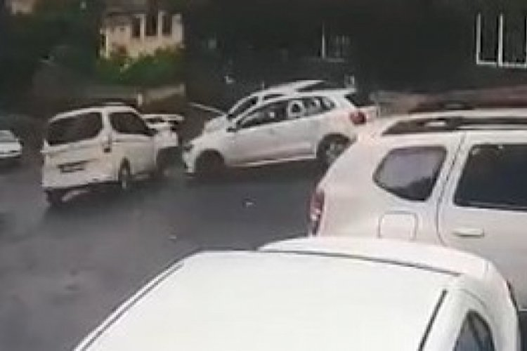 İstanbul Şişli'de aracıyla önünü kestiği otomobilin sürücüsüne kurşun yağdırdı!