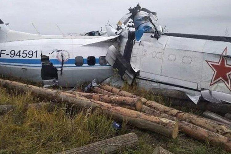 Rusya'da uçak düştü! 19 ölü