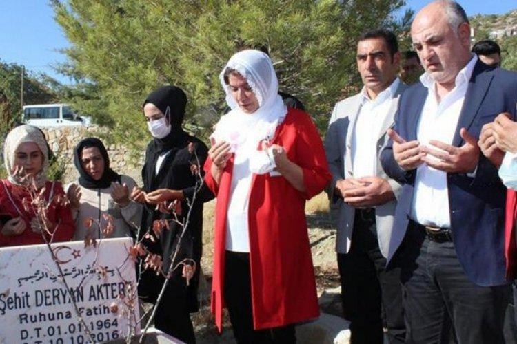 Teröristlerin öldürdüğü AK Parti'li Deryan Aktert, mezarı başında anıldı
