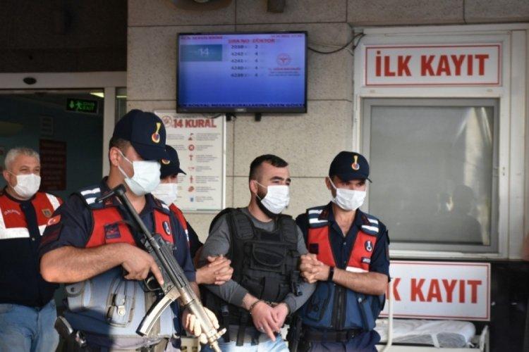 İzmir'de çok sayıda suç kaydı bulunan zanlı yakalandı
