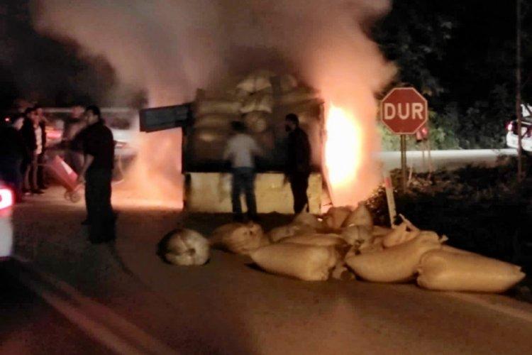 Ordu'da fındık dolu kamyon alev alev yandı