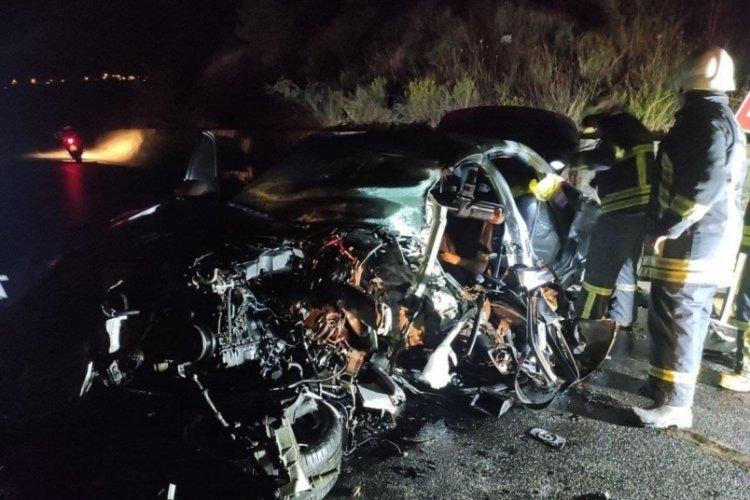 Yabancı plakalı iki araç çarpıştı: 1 ölü