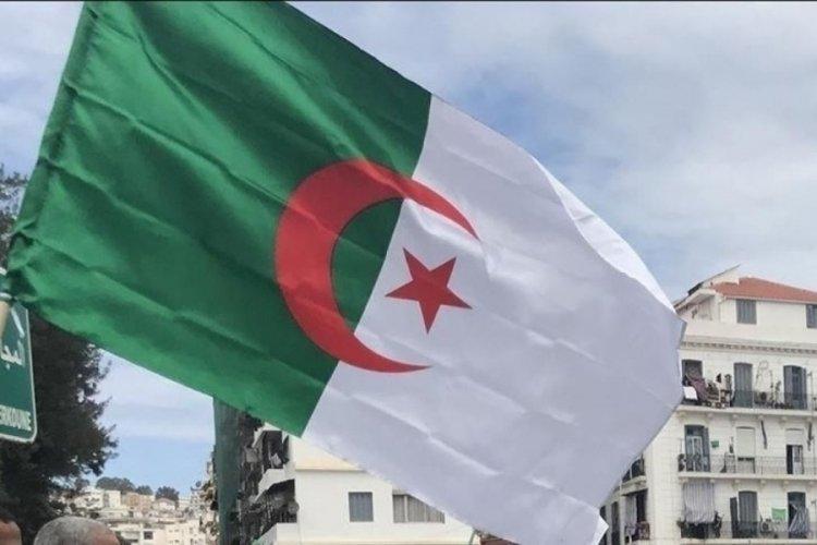 Cezayir: Büyükelçimizin dönmesi için, Fransa'nın egemenliğimize saygı duyması şart