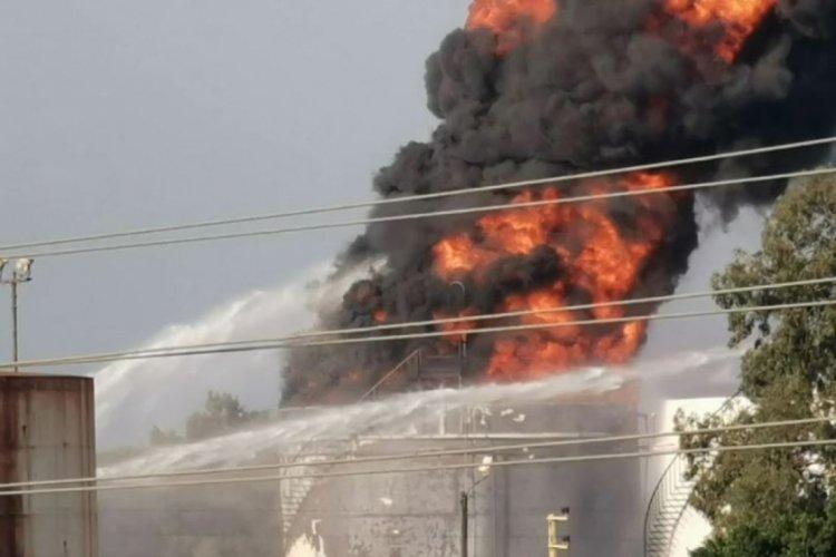 Lübnan'da petrol tesisindeyangın
