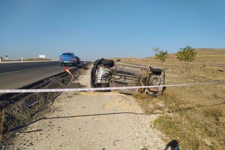 Yozgat'ta trafik işaret levhasınaçarpıp, takla atan aracın sürücüsü öldü