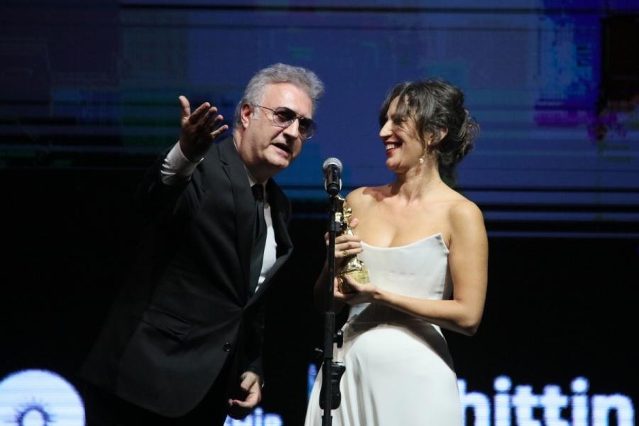 'En İyi Kadın Oyuncu' Nihal Yalçın'a, sevgilisinden destek