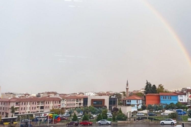 Bursa'da yağmur sonrası gökkuşağı büyüledi