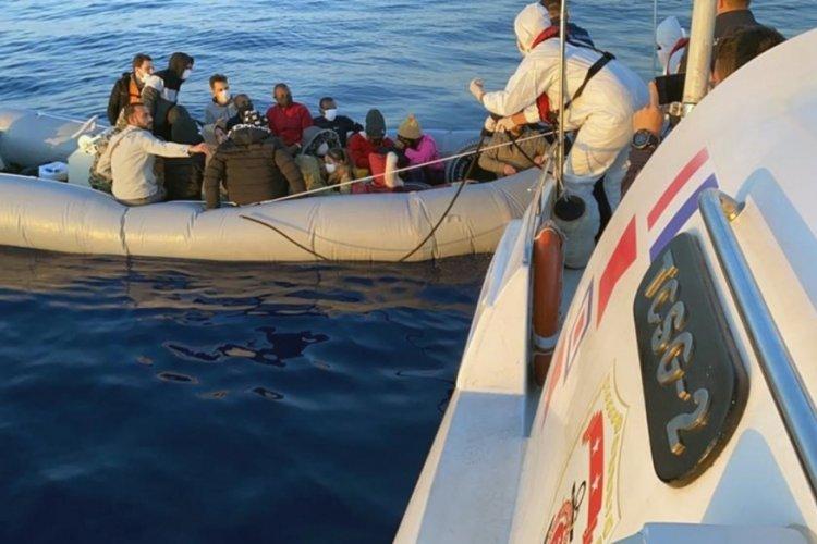 Marmaris'te 27 düzensiz göçmen kurtarıldı