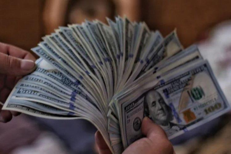 Dolar tarihi zirveyi yineledi