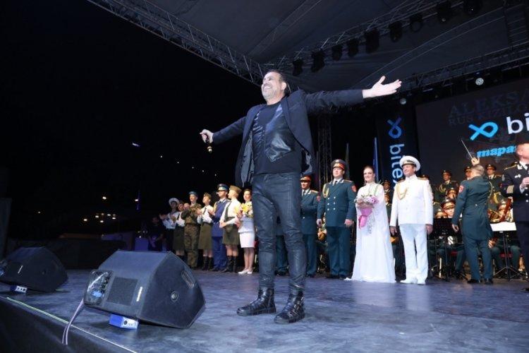 Bursa'da Haluk Levent ve Rus Kızılordu'dan muhteşem final