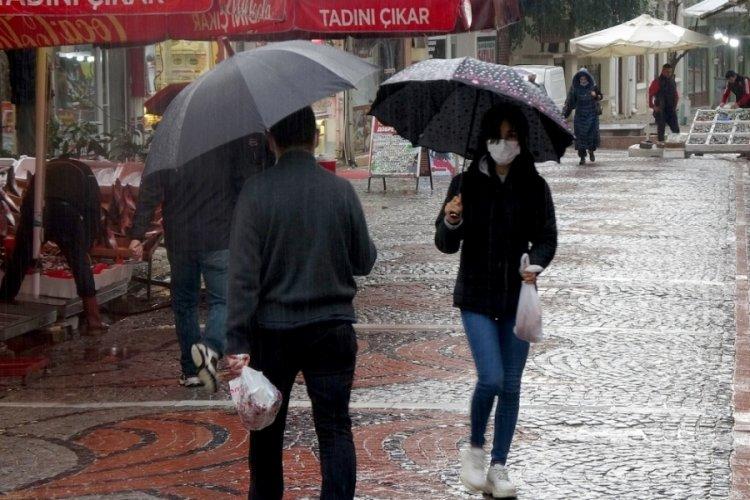 Edirne'de sağanak su baskınlarına neden oldu