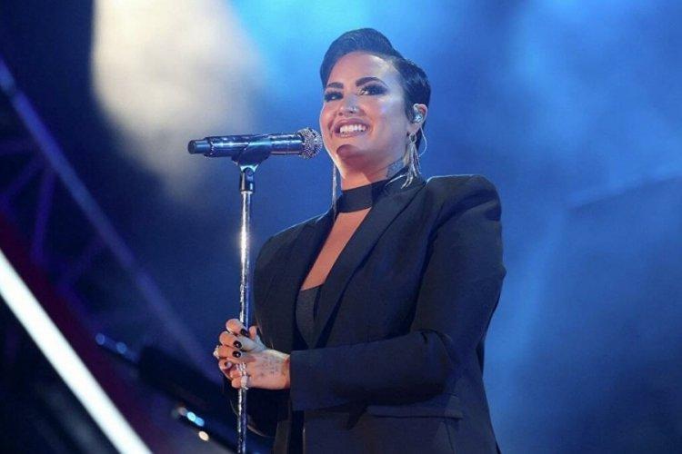 Ünlü şarkıcı Demi Lovato: 'Uzaylı' teriminin dünya dışı varlıklar için aşağılayıcı olduğunu düşünüyorum