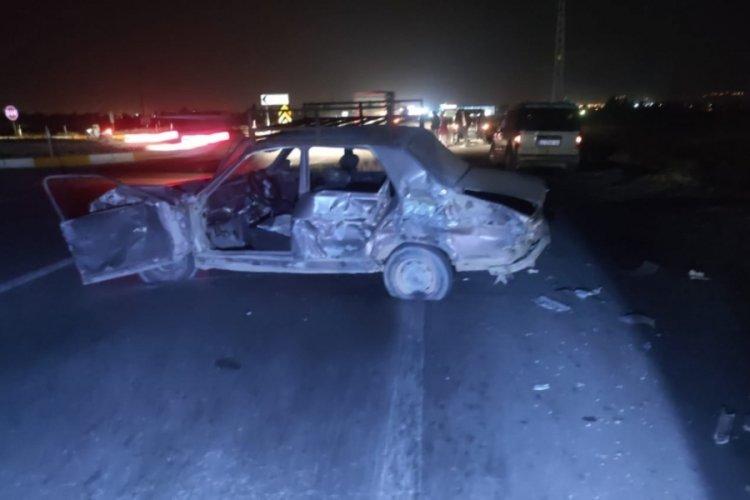 Konya'da yakıtı biten otomobillerini iten arkadaşlara TIR çarptı: 1 ölü, 1 yaralı