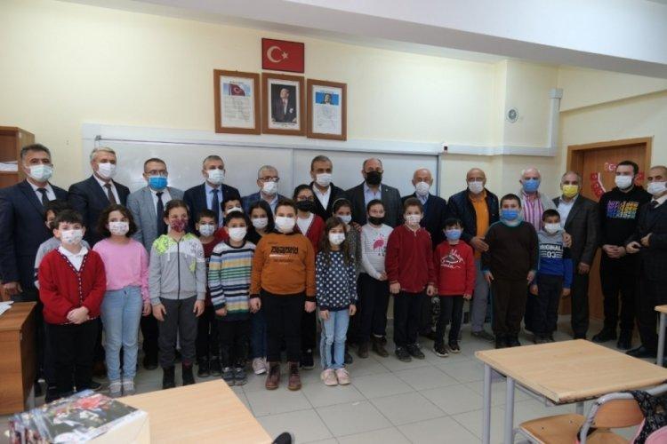 Bursa'da Uludağ OSB'den Kastamonu'daki çocuklara kırtasiye yardımı