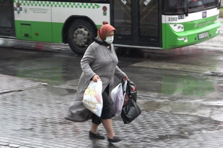 Bursalılar aniden bastıran yağmura hazırlıksız yakalandı