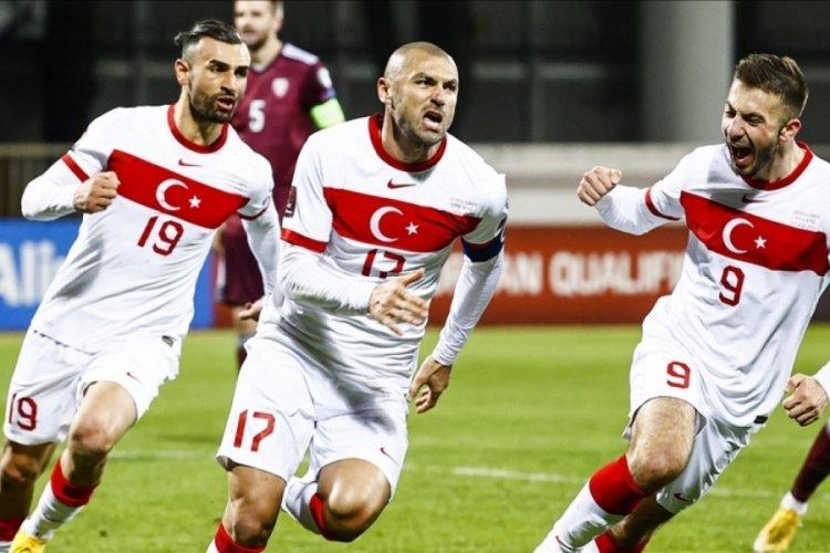 Türkiye 2022 FIFA Dünya Kupası'na katılma umudunu koruyor