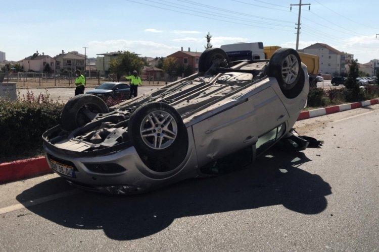 Karaman'da takla atan otomobilin sürücüsü yaralandı