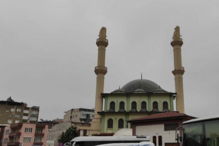 Aydın'da fırtına, cami minaresini söktü