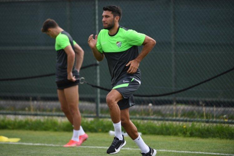 """Bursaspor'un tecrübeli futbolcusu Cüneyt Köz: """"Çok gururluyum"""""""